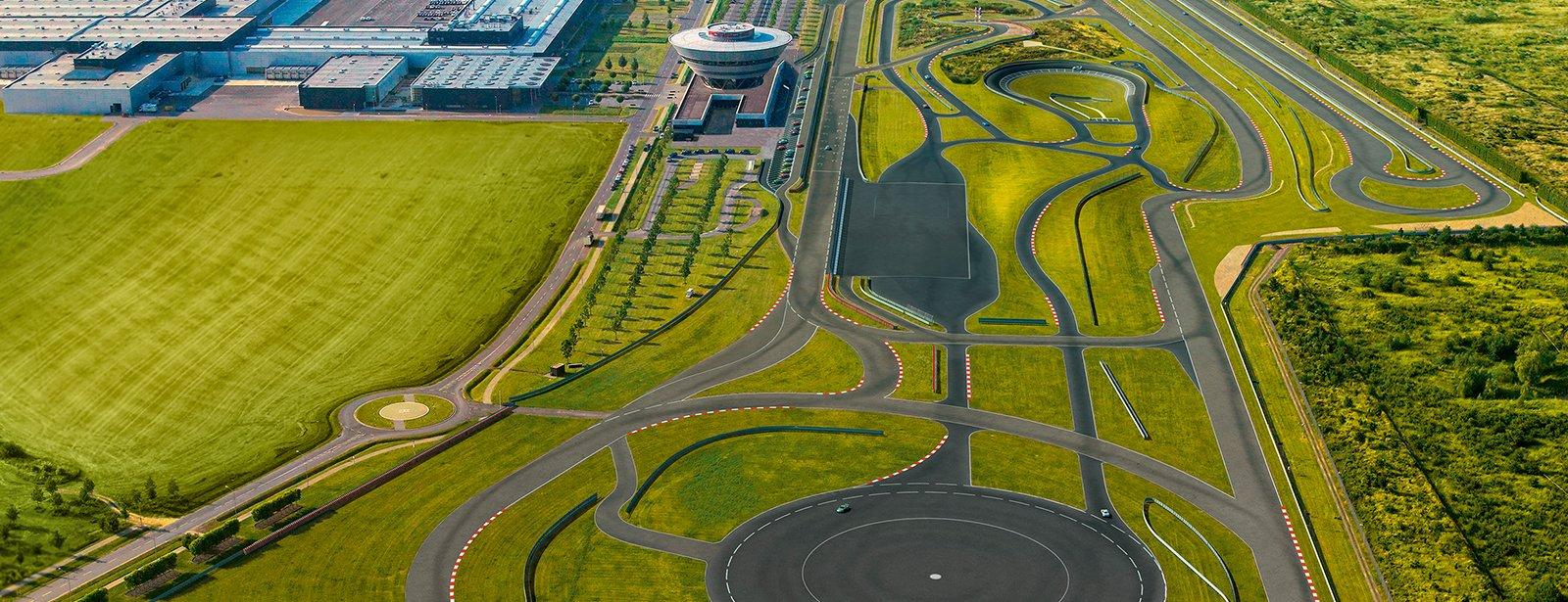Porsche a recréé le mythique Carousel sur son propre circuit d'essai