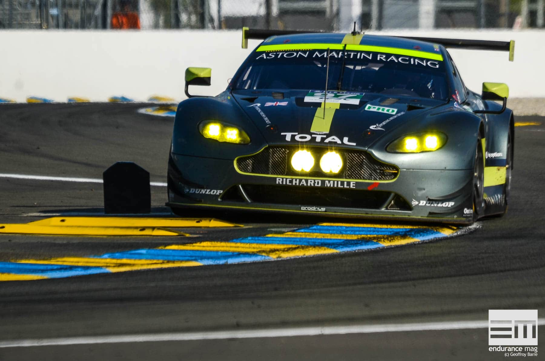 La #97 apporte enfin la victoire à Aston Martin en LMGTE Pro, Darren Turner signe même le record du tour en essais pour la catégorie.