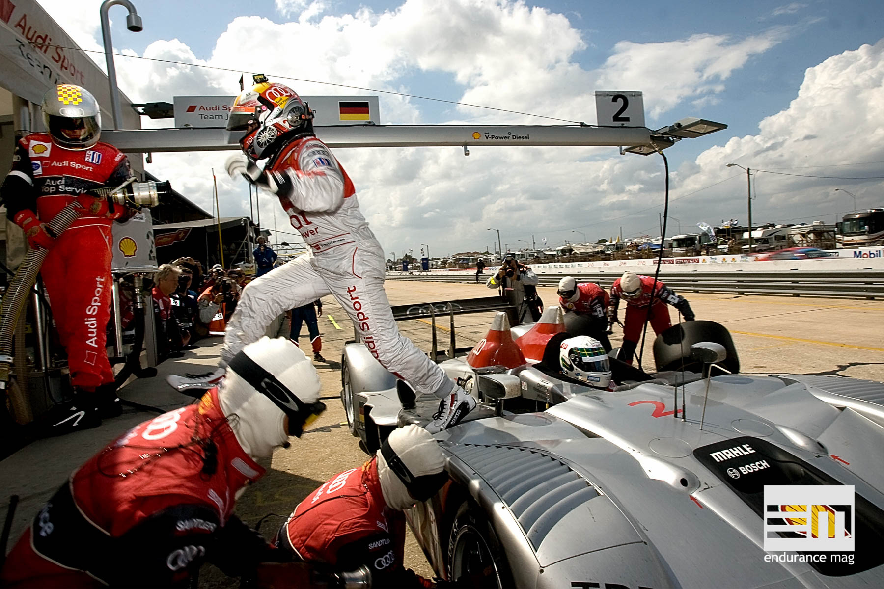 Audi R15 TDI #2 (Audi Sport Team Joest), Tom Kristensen, Allan McNish