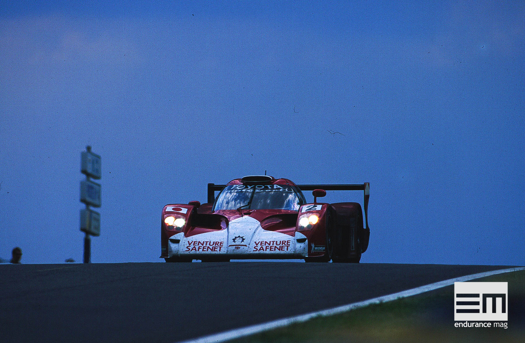 Toyota-GT-One-1999