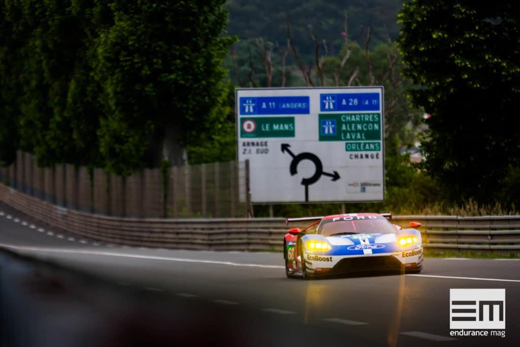 Du Mans à Tours, par la nationale, c'est dans les Hunaudières qu'il faut passer - photo Ford